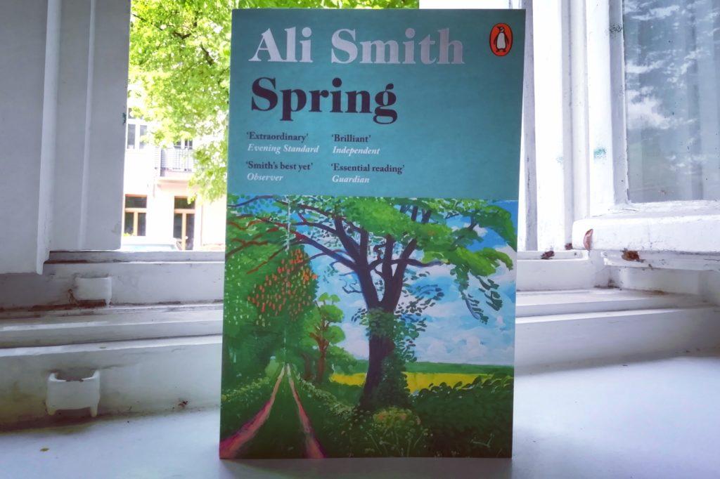 Knjiga Ali Smith - Spring